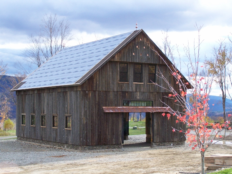 manchester barn home by green mountain timber frames 800x601