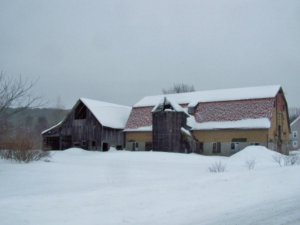 Original Barn and 1840s Home_Green Mountain Timber Frames_Before (800x601)