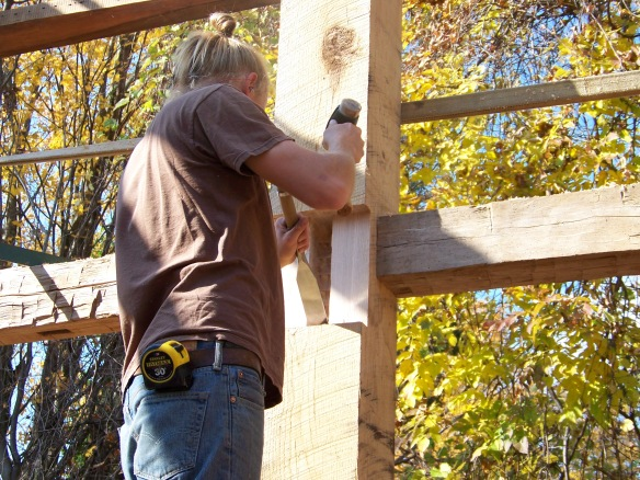 chiseling-oak-timbers_green-mountain-timber-frames