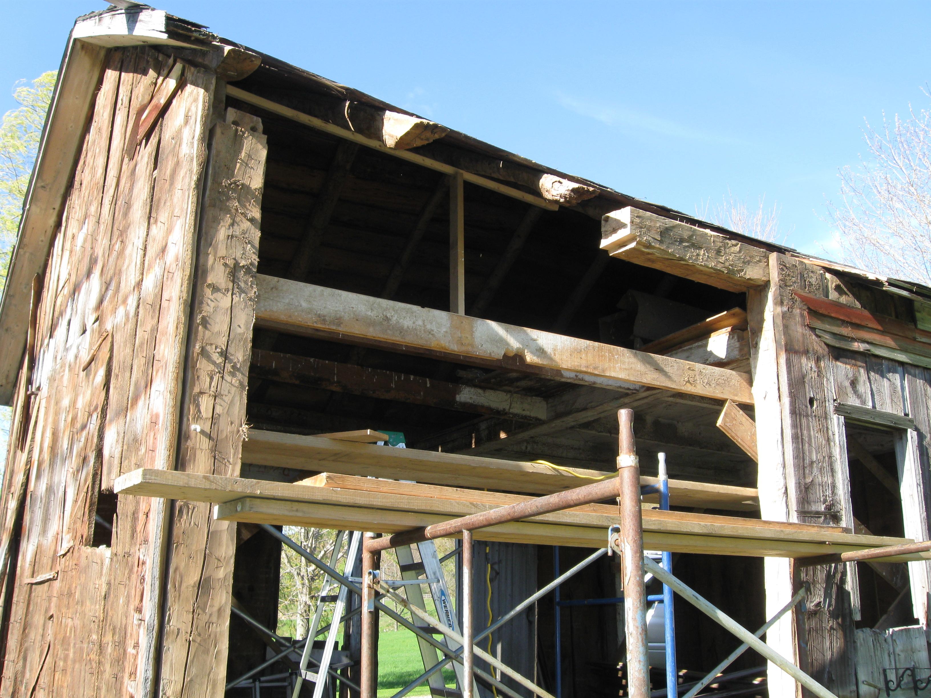 repairing-antique-barn-top-plate-green-mountain-timber-frames