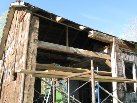 repairing-antique-barn-top-plate-green-mountain-timber-frames