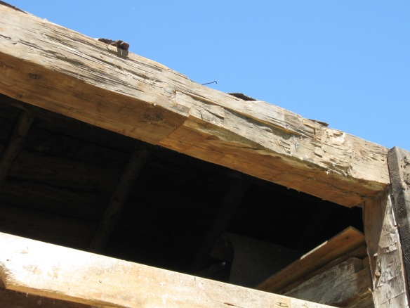 scarf-joint-repair-in-antique-barn-green-mountain-timber-frames