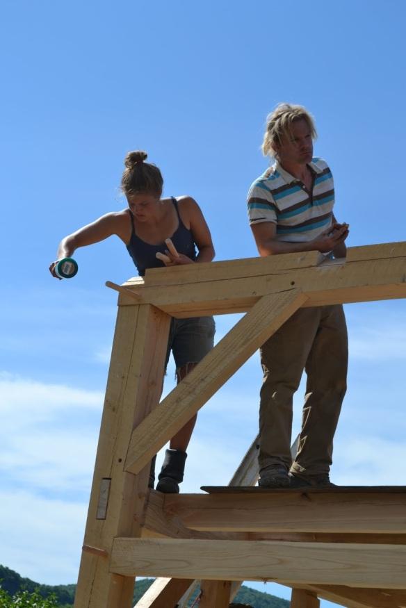 Green mountain timber frames barn raising