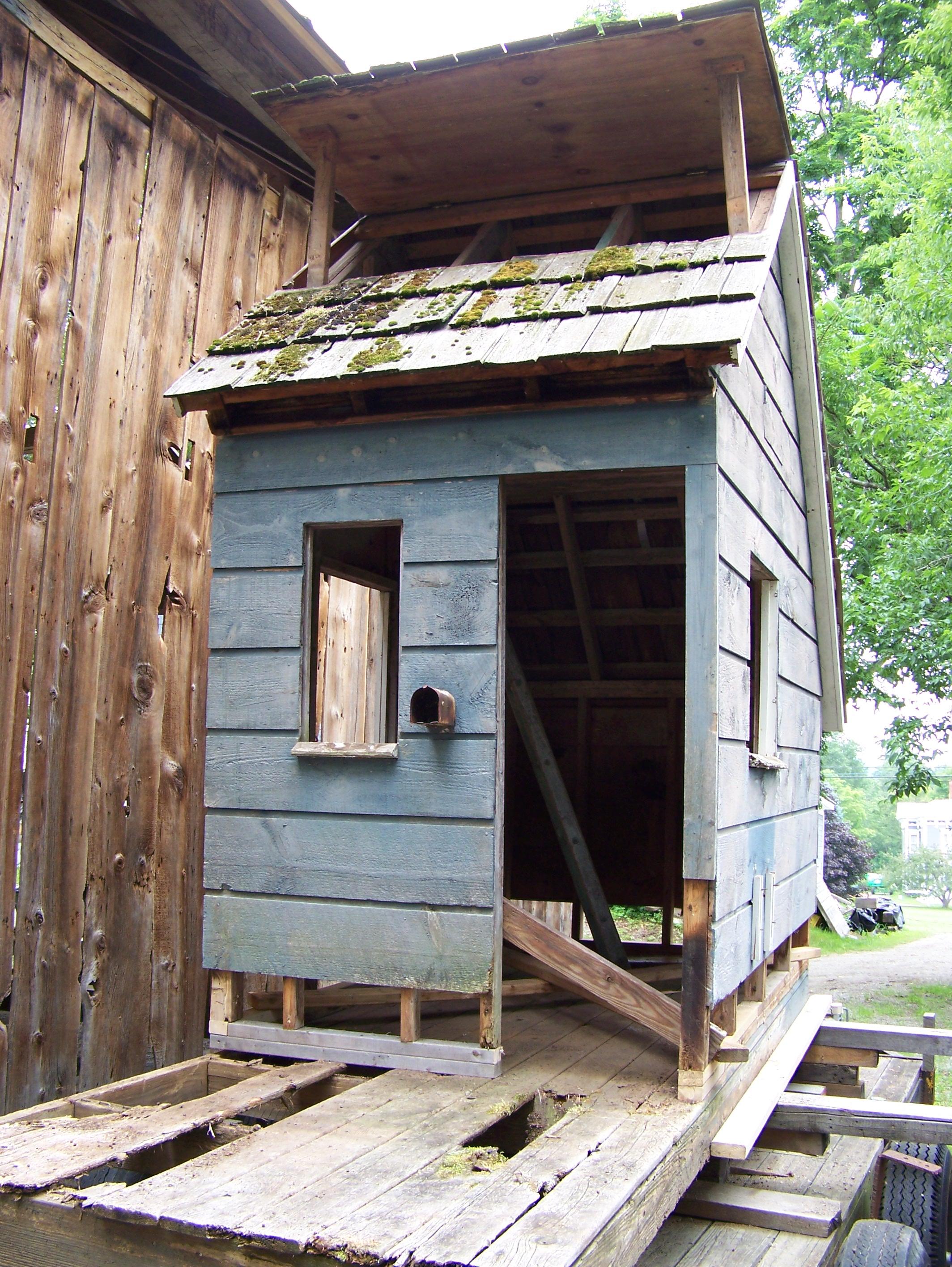 Restorint barn style kids play house barn_4