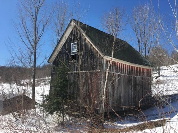 Corn Crib for Sale in Vermont