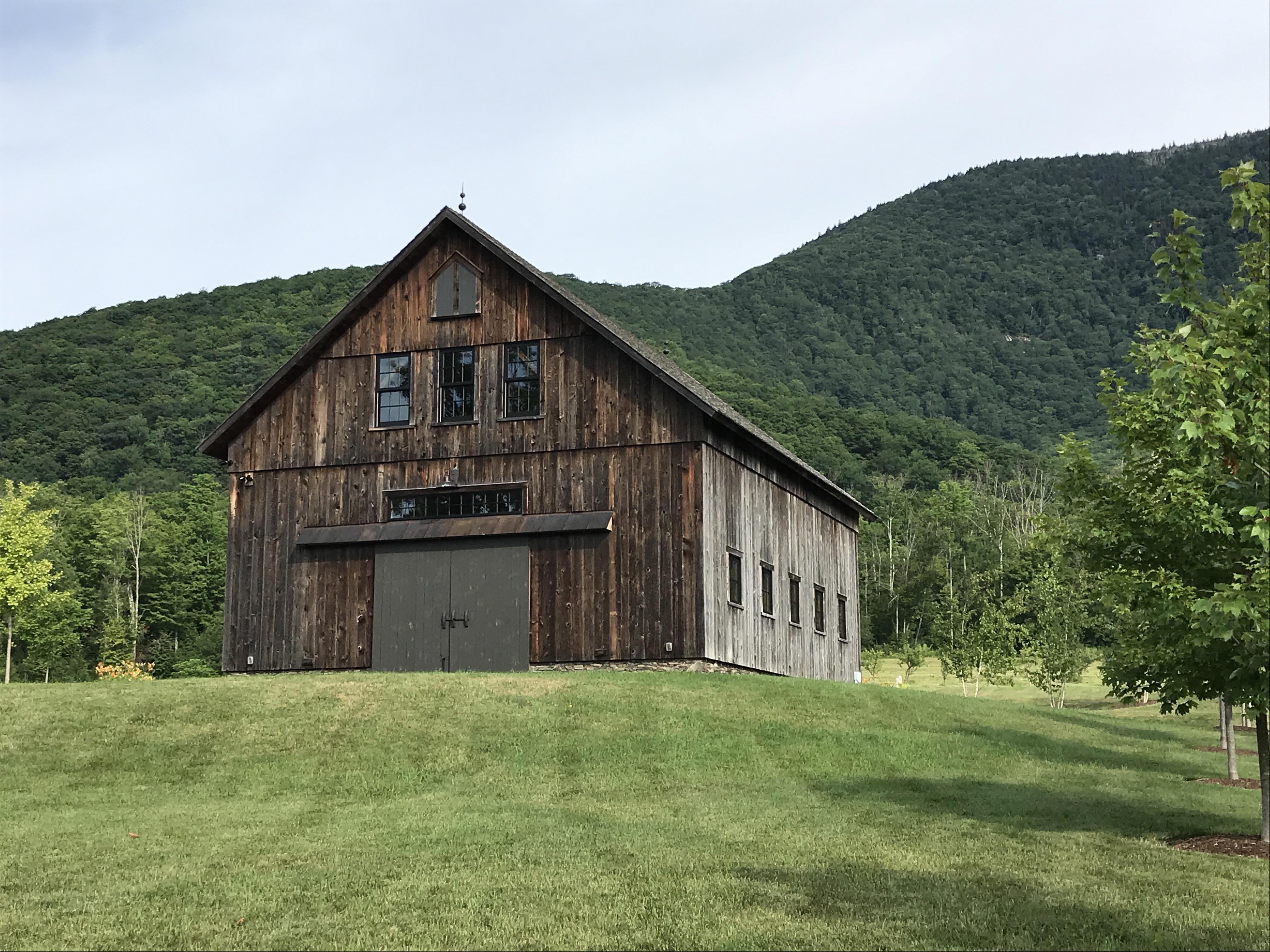 timber frame barn_Vermont
