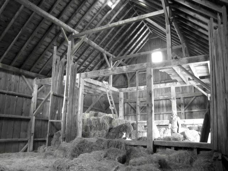 Antique barn interior_Vermont barn for sale