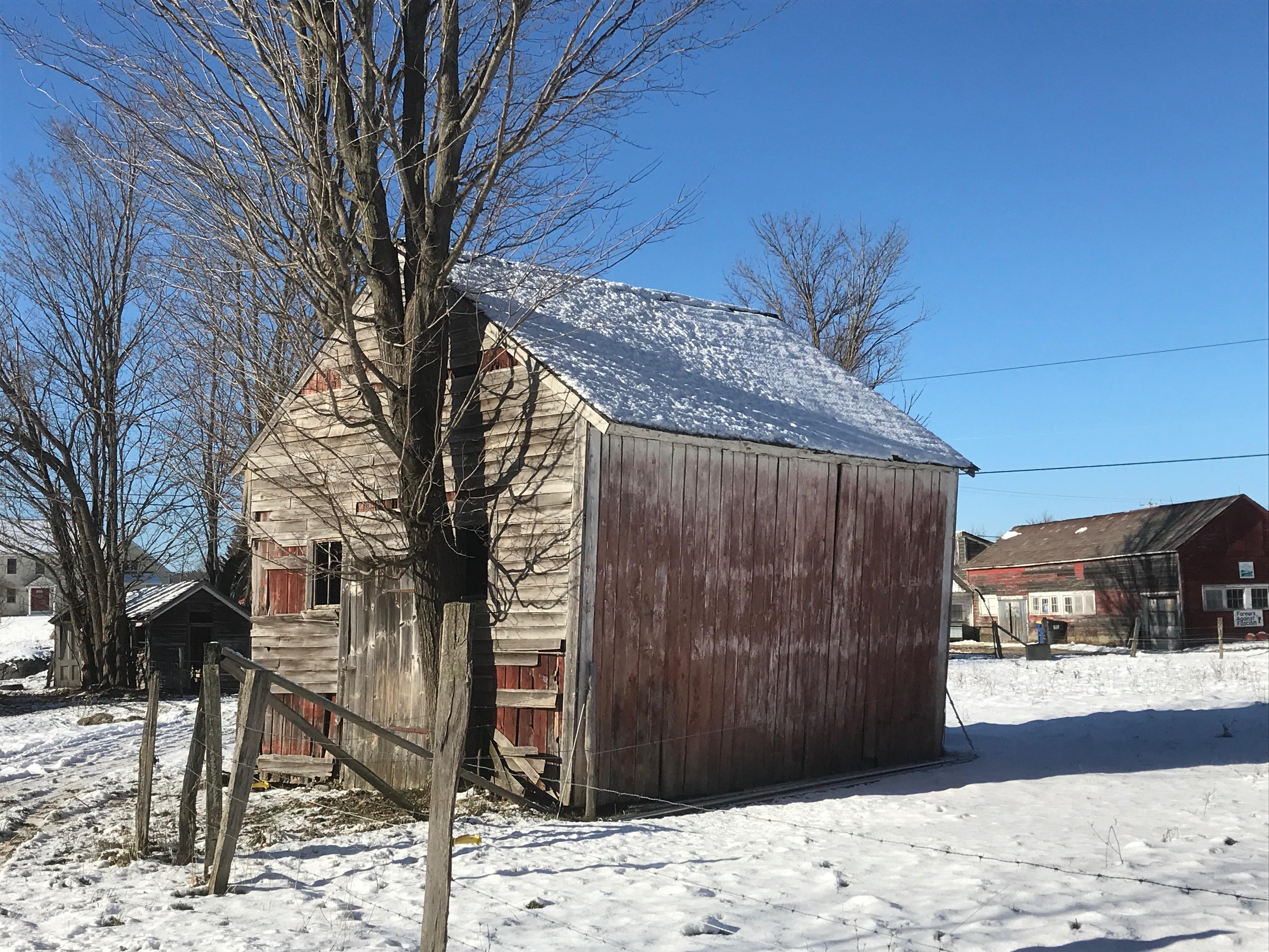 Rupert Granary | corn crib | green mountain timber frames cabin