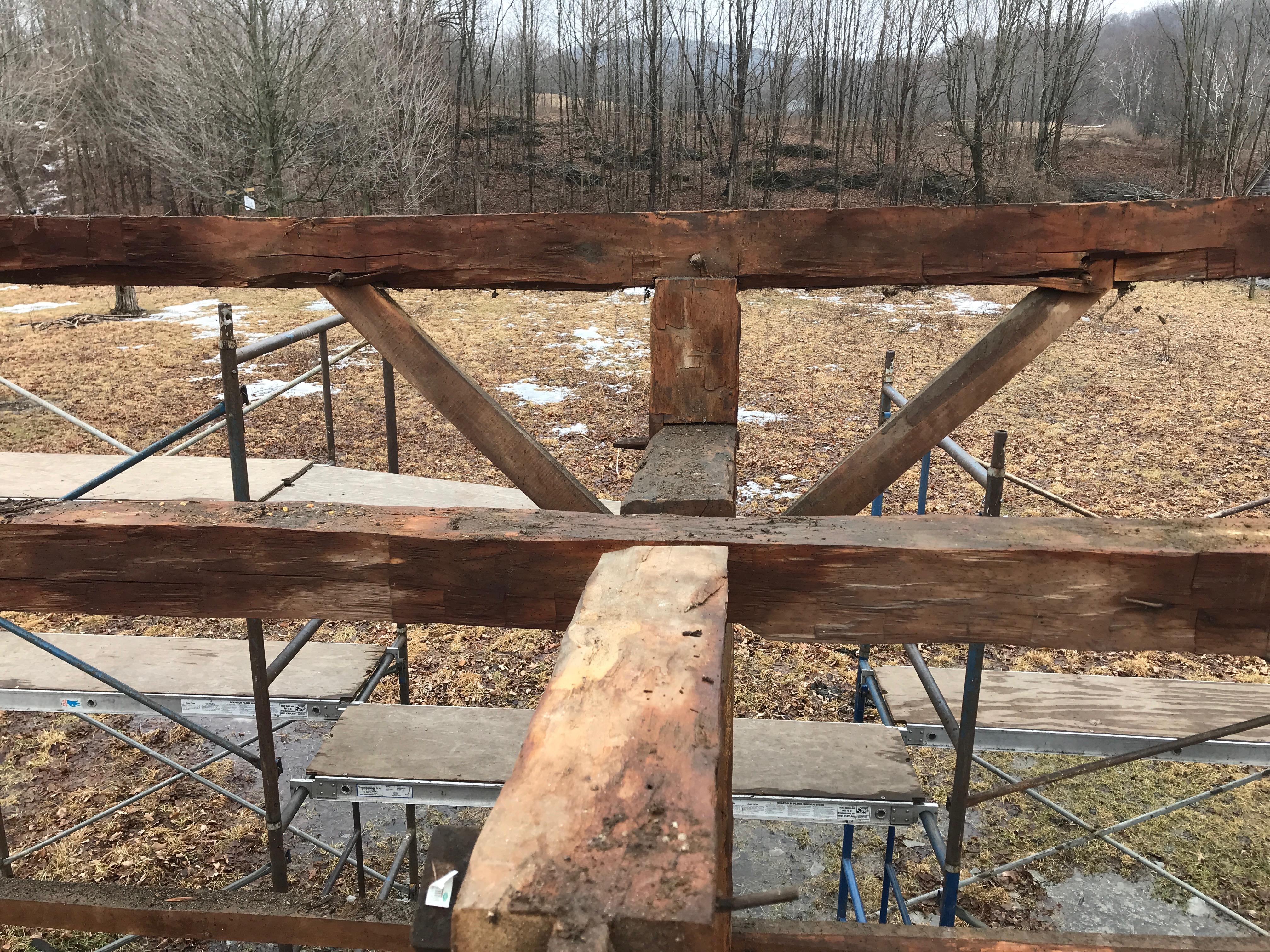 full length summer beams | rupert granary | green mountain timber frames