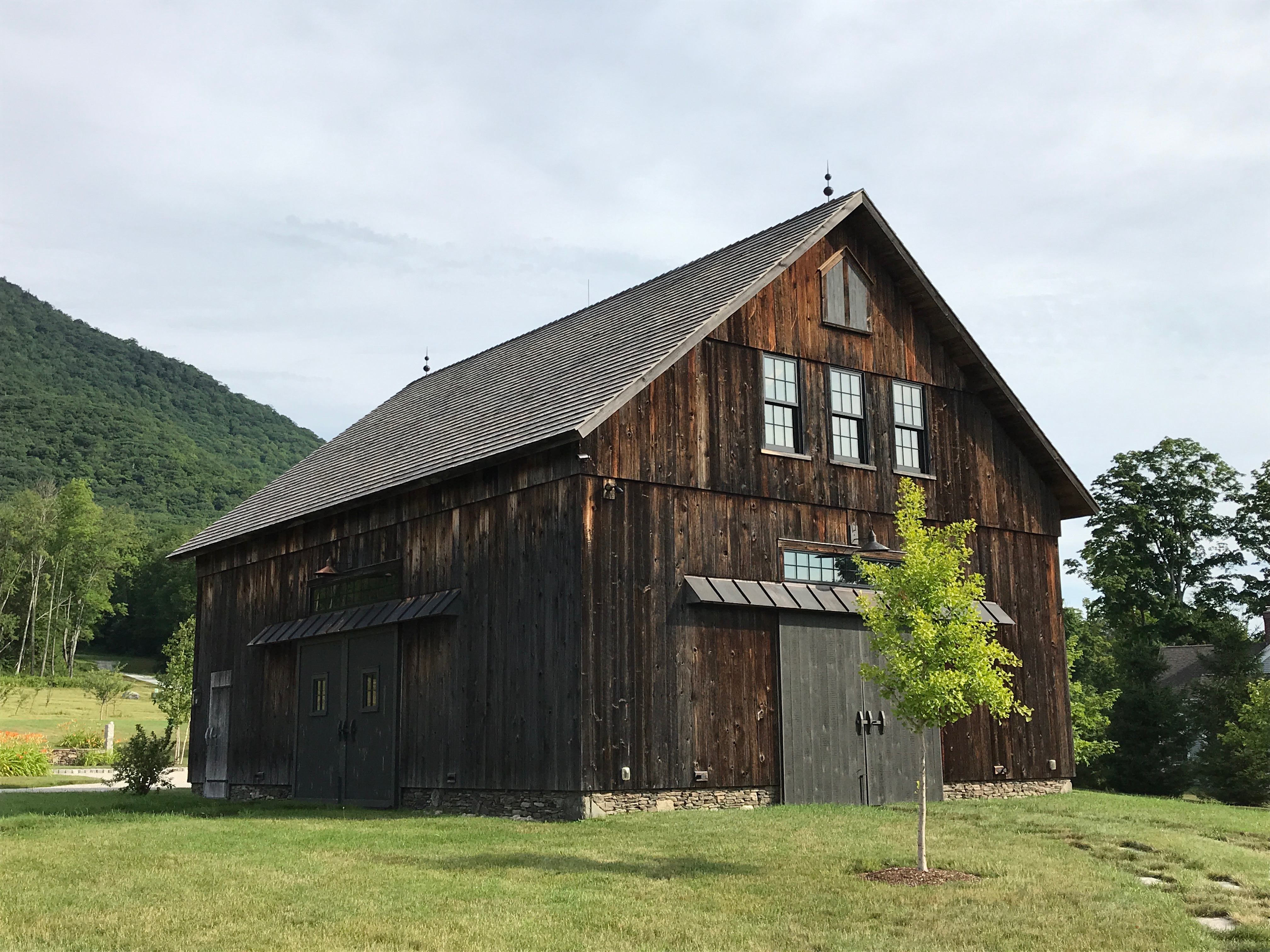 vintage barn restoration green mountain timber frames
